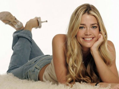 denise_richards_61_g3yj1nkvjr_1024x768